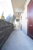 玄関:通路